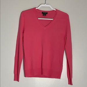 Lord & Taylor's Cashmere V-neck longsleeve sweater